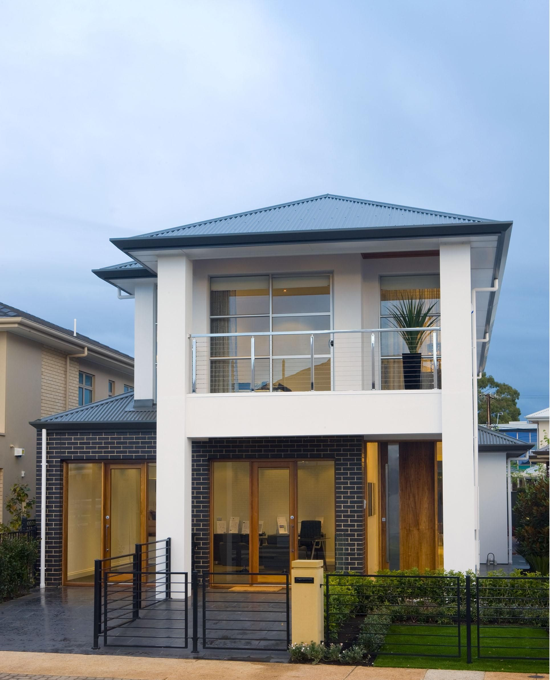 Dechellis display homes tuscany visit for Tuscan style homes australia