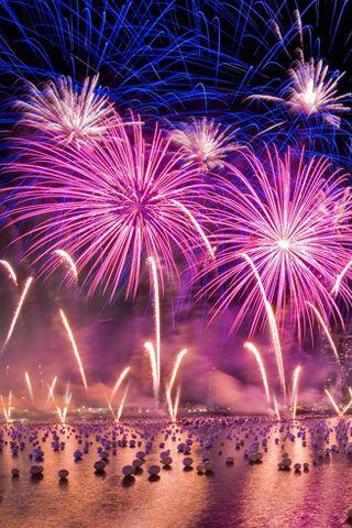 Pink fireworks - Fourth of july live wallpaper ...