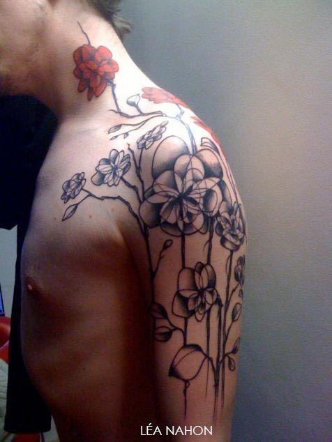 Tatouage Fleur Graphique Sur Le Bras Tatoou Pinterest Tattoo