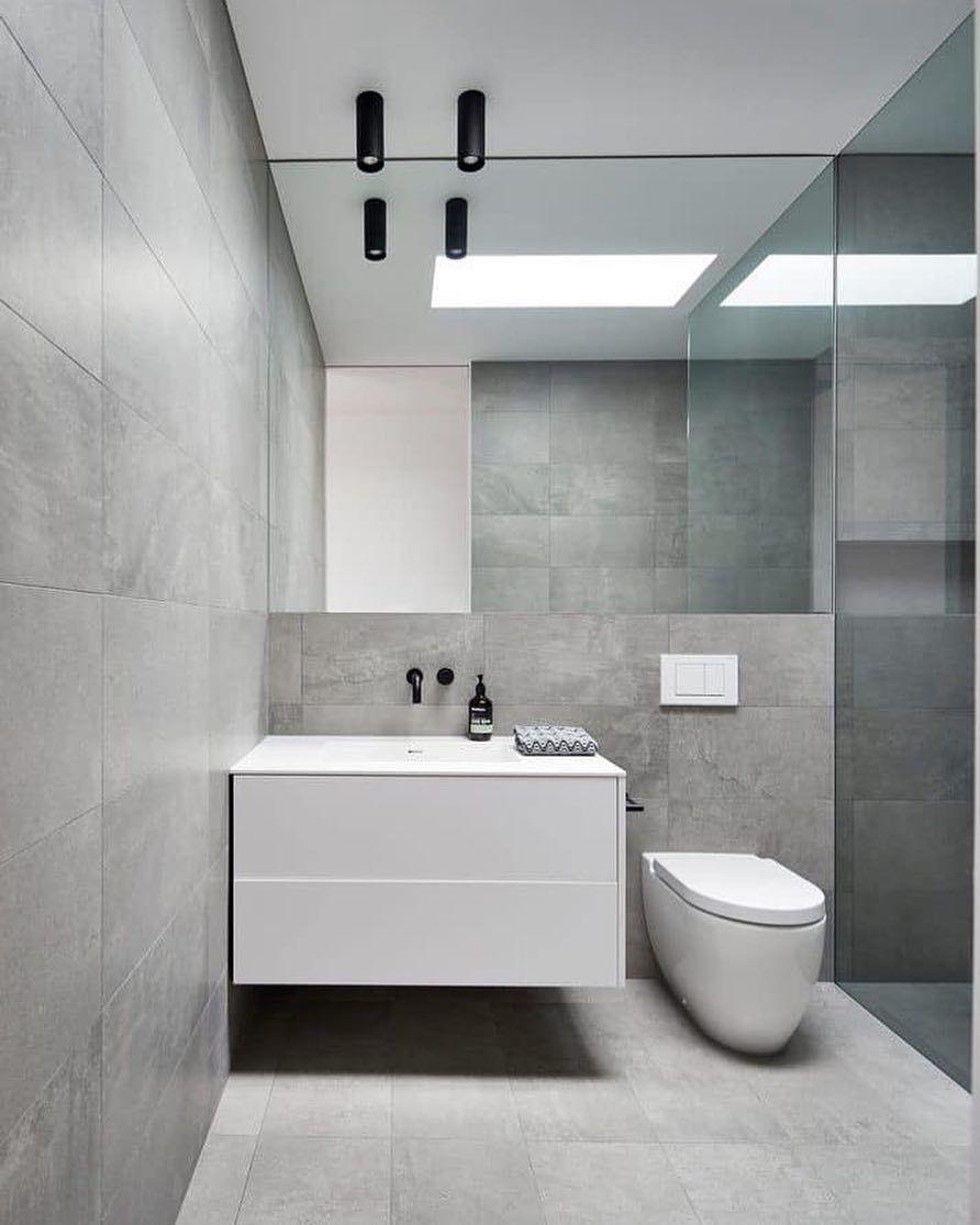Pin By Remedios On Cuarto De Bano In 2020 Light Grey Bathrooms
