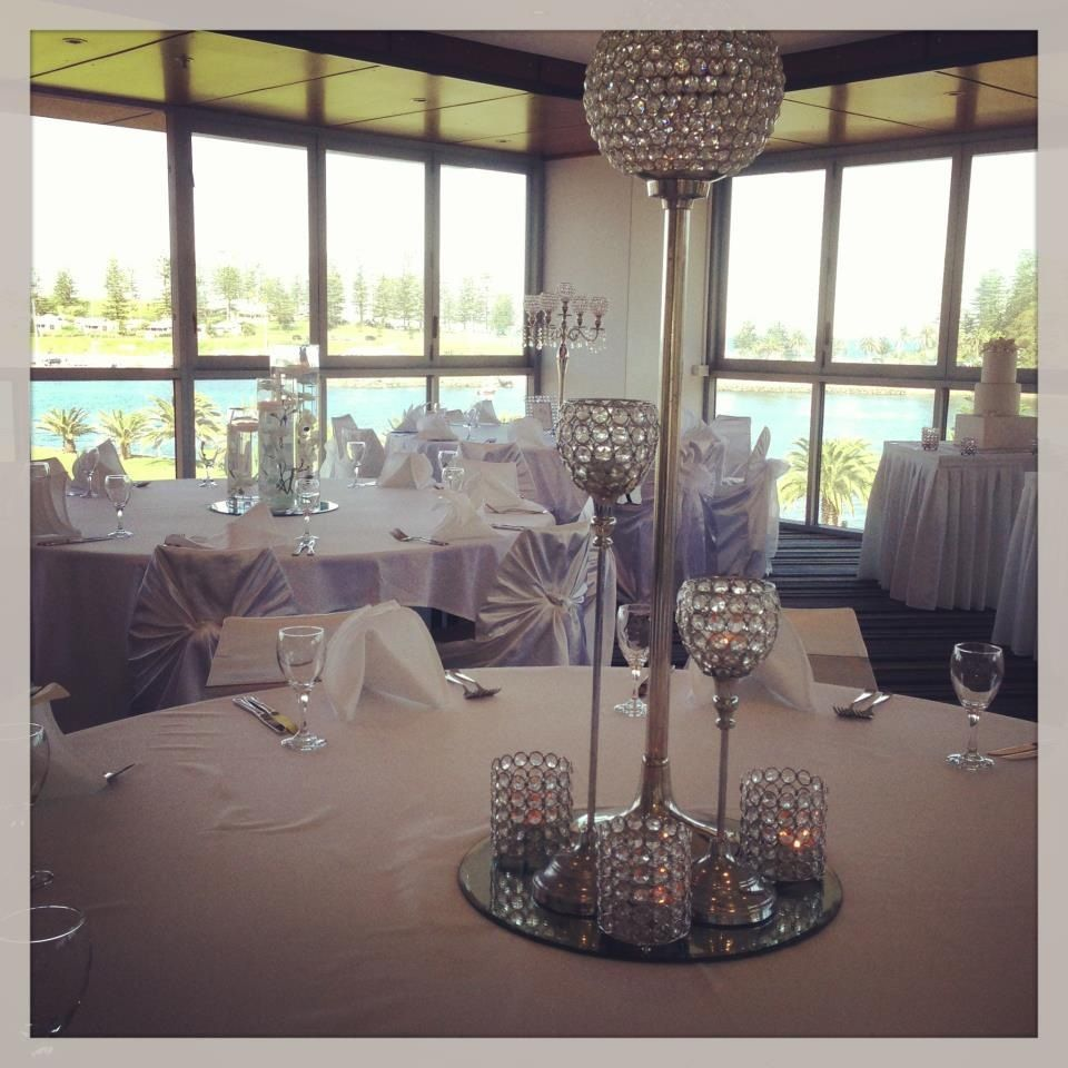 Simple but elegant. Love this look for the centrepieces