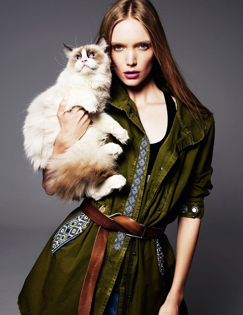 Shannon Ann Philips Models with Cats for Glamour Italia | Cat fashion, Cat  girl, Pet fashion