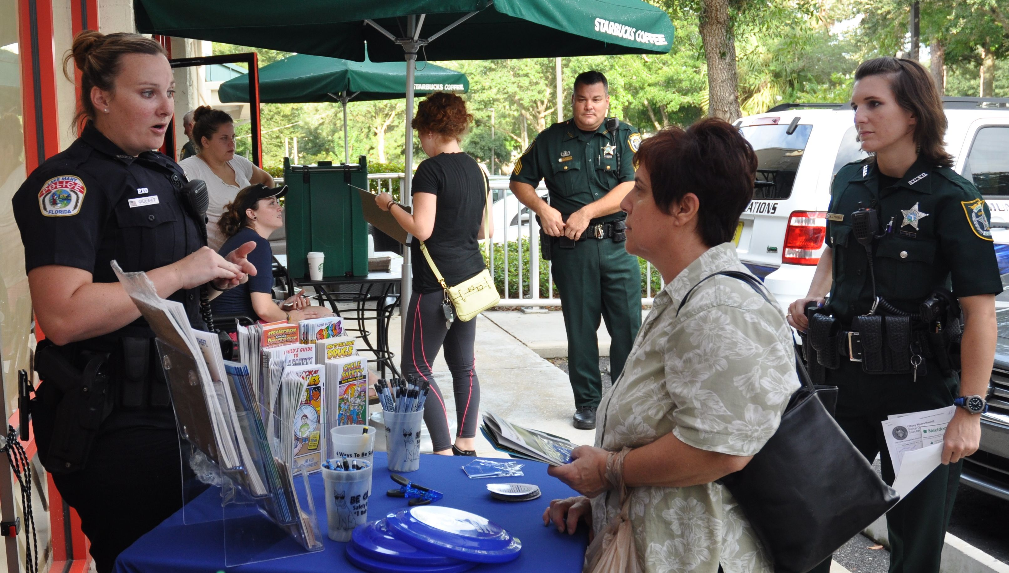 We would like thank the Lake Mary Police Department for co-hosting Coffee with a Cop last evening! Local residents attended and engaged in some great conversation.
