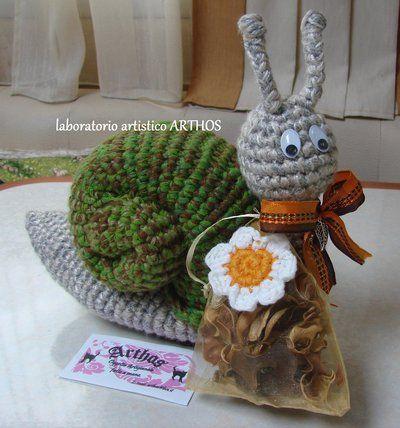 Ravelry: woody amigurumi muñeco pattern by Taller Artistico a Crochet | 428x400