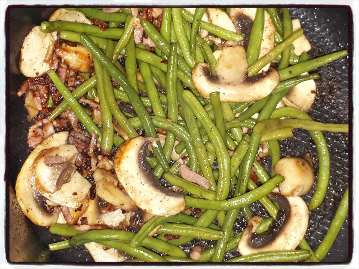 Poêlée d'haricots verts aux champignons (cookéo) | Veggie recipes, Food, Vegetarian recipes