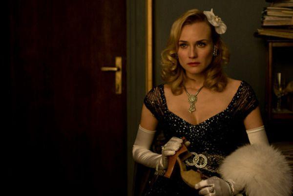 """Diane Kruger como Bridget von Hammersmark en """"Malditos bastardos""""  (2009) de Quentin Tarantino. Joyas de la colección privada de Anna B. Sheppard, diseñadora del vestuario de la película."""