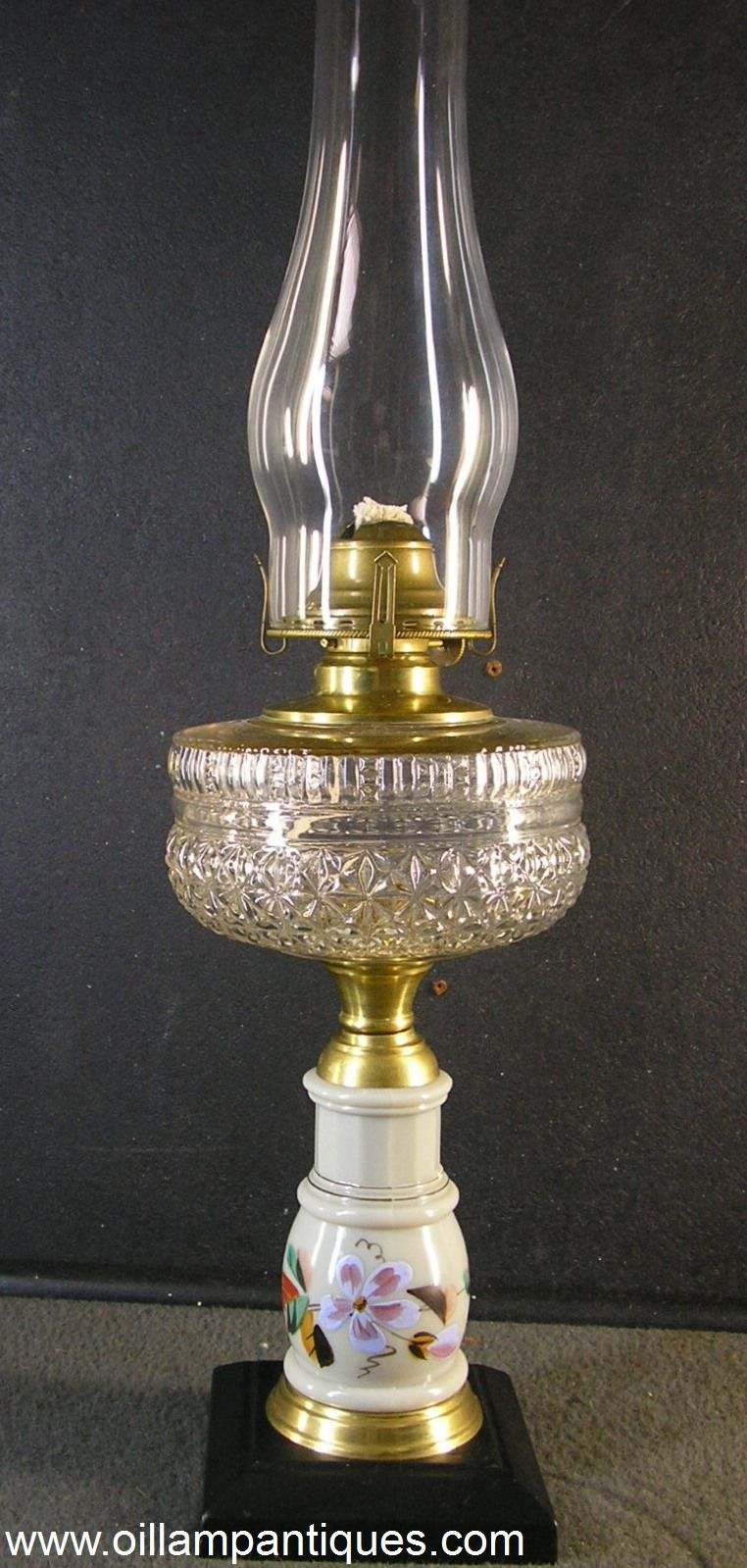 Kerosene Stand Lamps Or Composite Lamps Like This One Were Most Popular Between 1880 1900 Being Cheap To Make Attractive O Lamp Oil Lamps Antique Oil Lamps