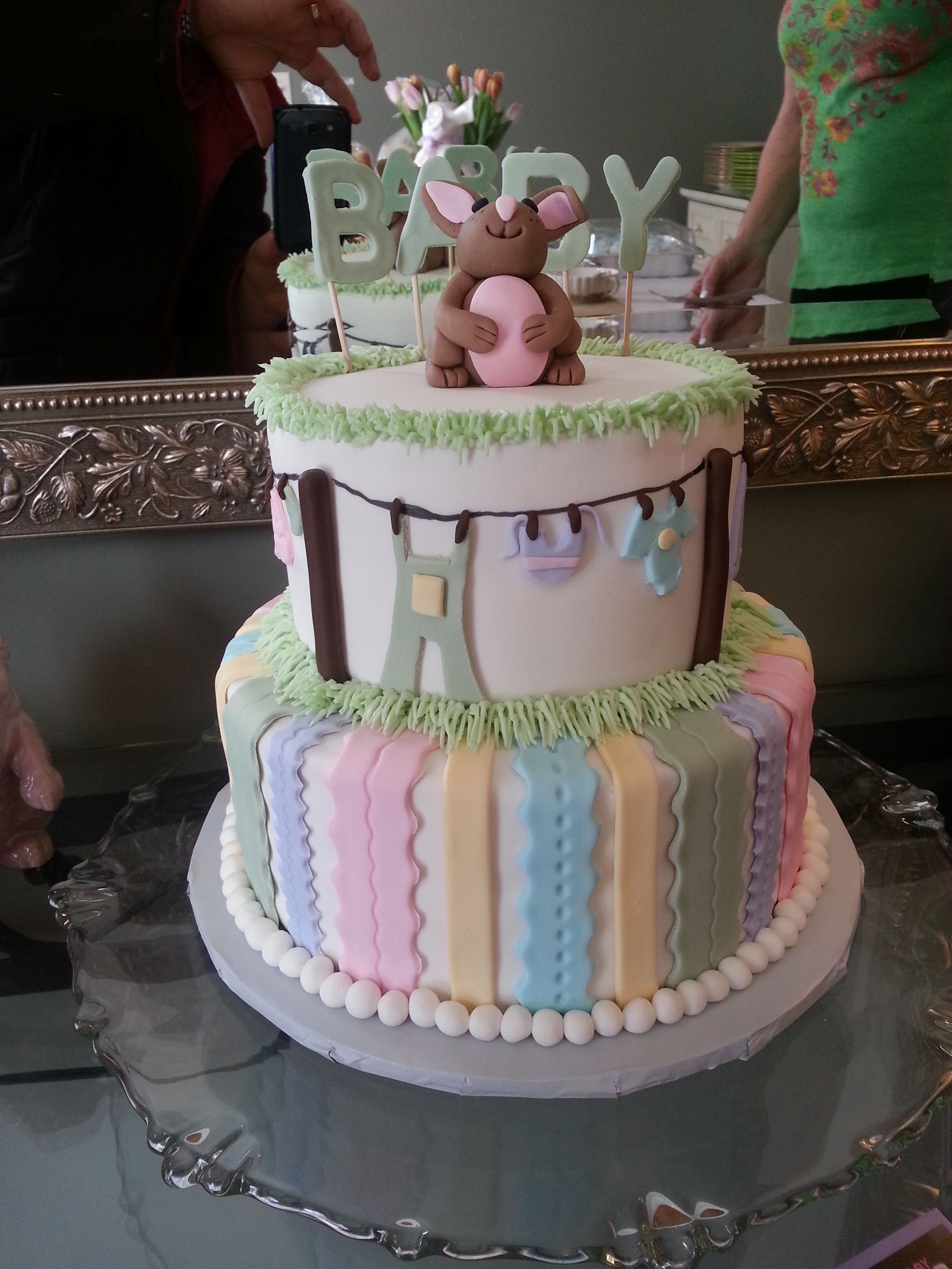 Baby shower cake by clover dust