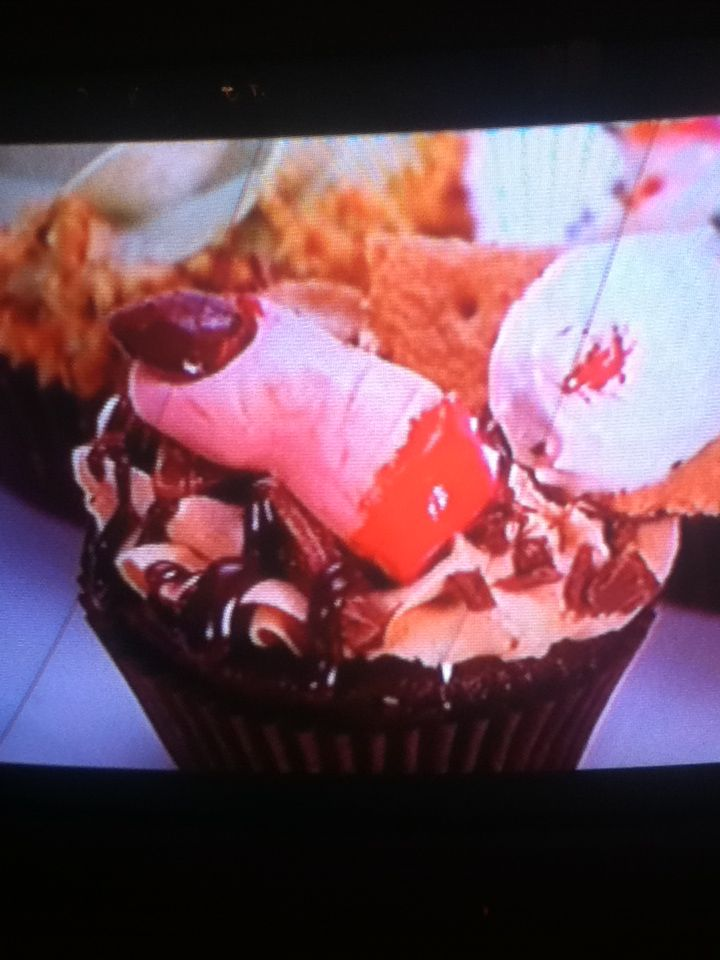 Luv this show cupcake wars!