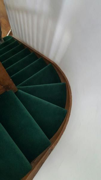Best Stairs Green Carpet Stairs Carpet 400 x 300