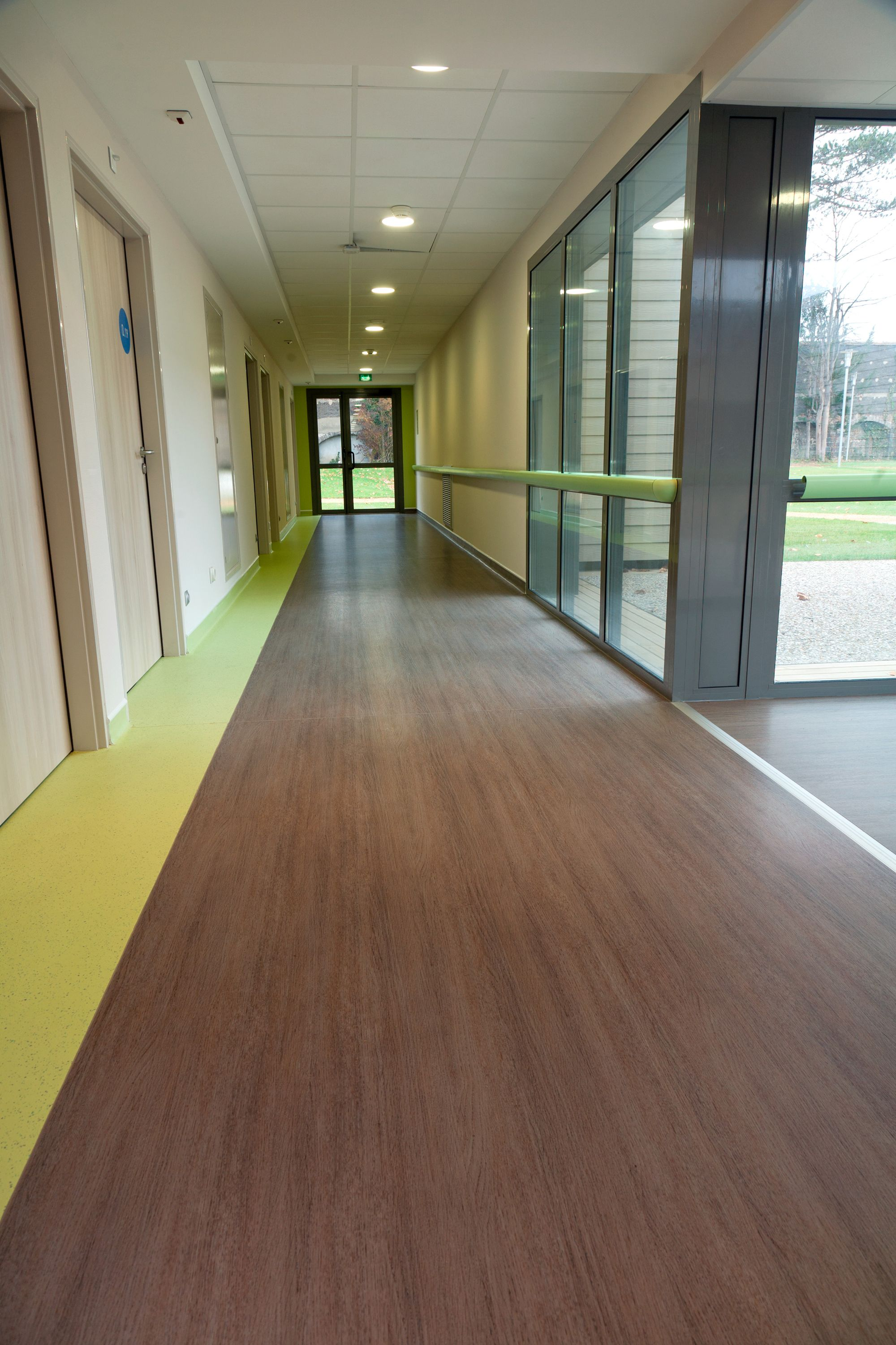 Taralay Premium Vinyl Flooring Is A High Performance Solution For Heavy Traffic Areas In Education Office Healthcare Retirement Home Cinema