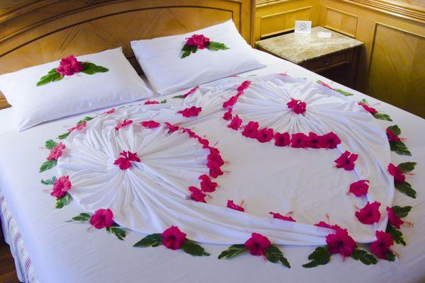 Pin By Div V On Propuesta De Matrimonio Sorpresa In 2020 Romantic Bedroom Decor Bed Decor Bedroom Night