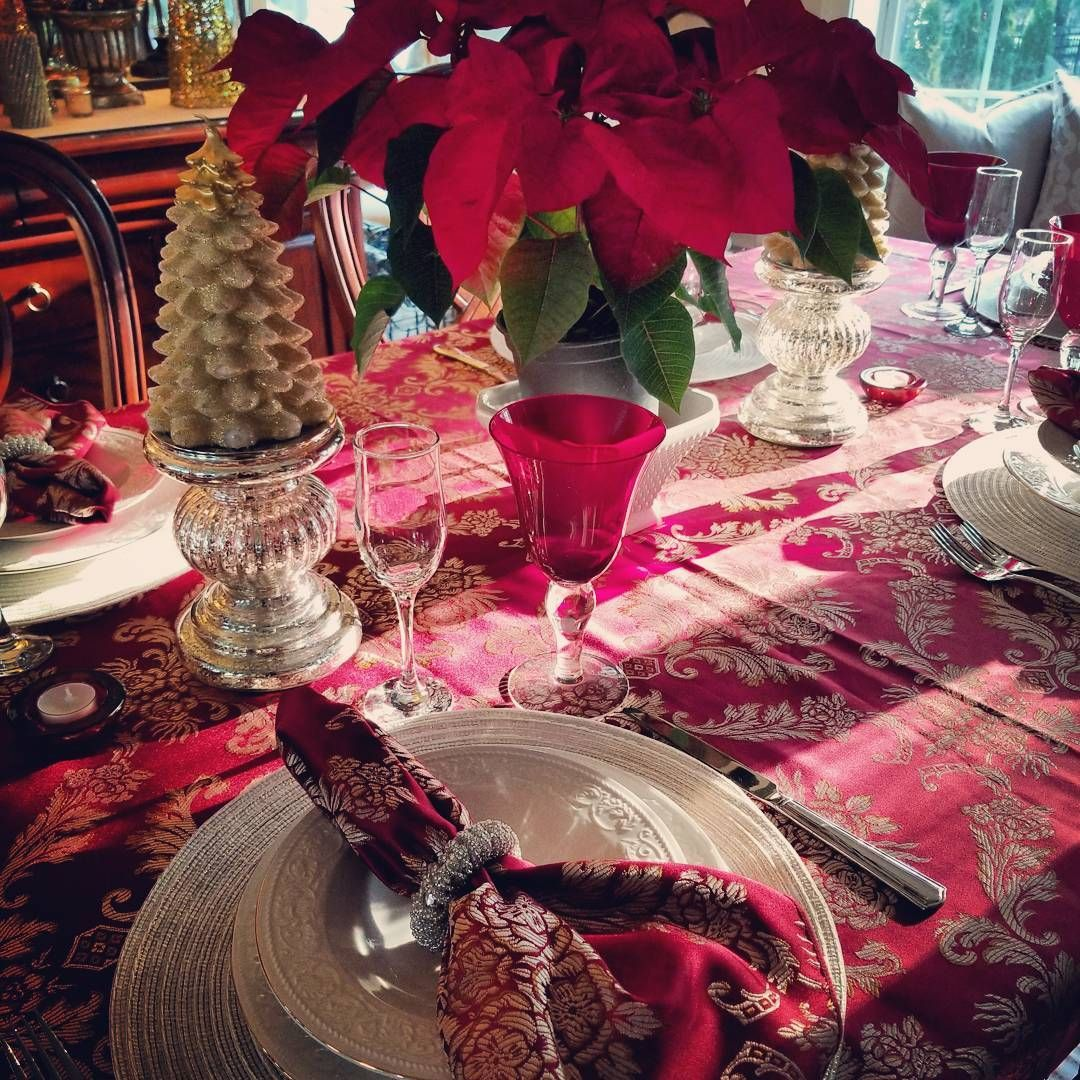 Merry Christmas and Happy Birthday to my beautiful daughter!! #tablesetting #holidaytable #christmasday #deckthehalls #diningroom #cheers #christmasbirthday #itsthebesttimeoftheyear #family #poinsettia