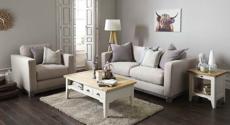 Shabby Chic Living Room Ideas With Wood Table, Accent With Mauve.