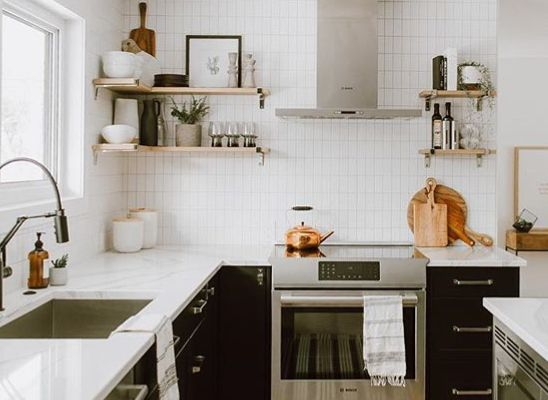 lay subway tiles vertical and in a line kitchen cabinets tiles kitchen on kitchen cabinets vertical lines id=40181