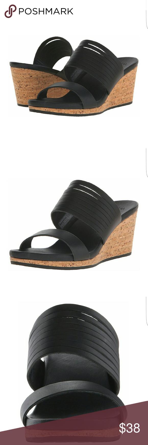 Teva Arrabelle slide Black wedge Teva slides. Teva Shoes Wedges