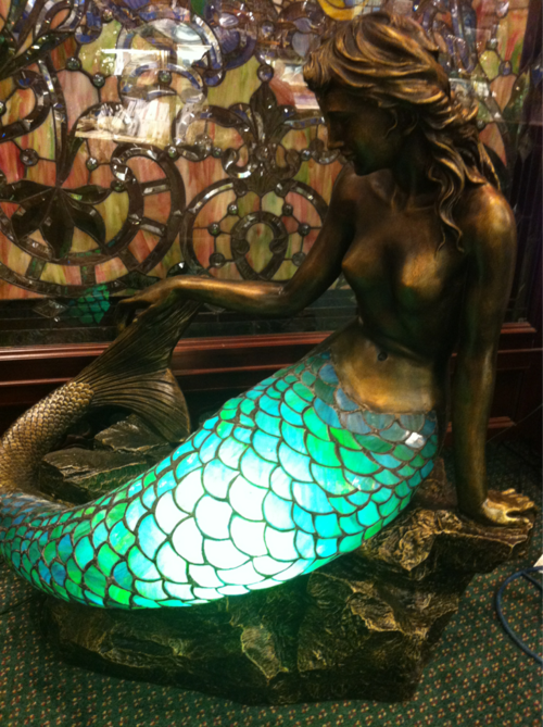 Mermaid lamp. Ds➡@erikaevans5245