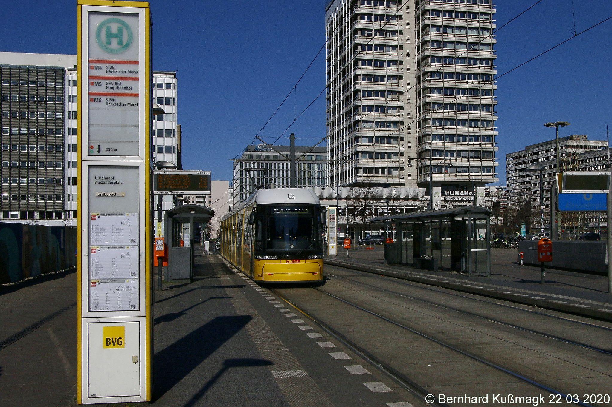 Europa Deutschland Berlin Mitte Alexanderplatz Haltestelle U Bahnhof Alexanderplatz Berlin Strassenbahn Berlin Und Bahnhof