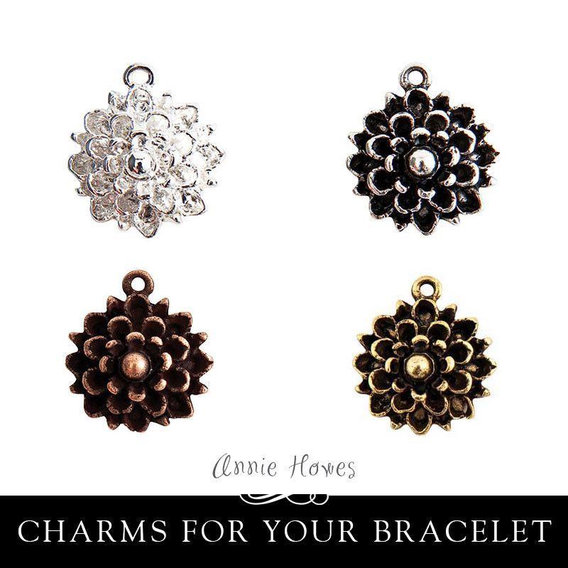 Mumm Flower Charm. Nunn Design