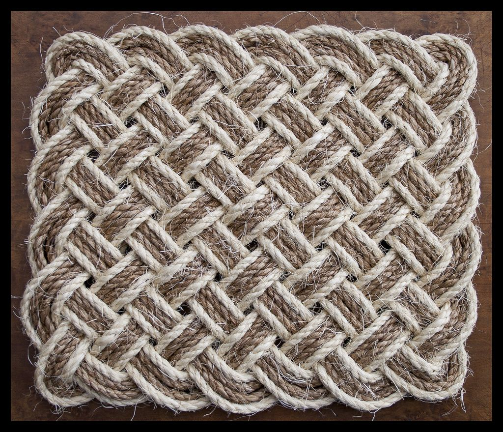 A Rectangular Version Of The Ocean Plait Mat Same Pattern Just Laid Out In