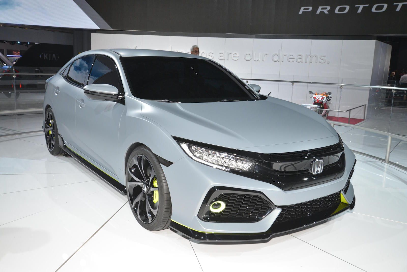 2017 Honda Civic Hatchback to offer turbo engine, 6speed