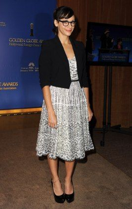 Rashida Jones Our ultimate girl crush is a pro at pairing bold prints with her librarian-style specs. Anne Perkins!!! Getty Images