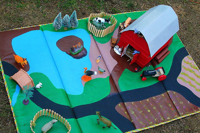 Kids Craft A Handmade Barn For Farm Play Tonya Staab Felt Play Mat Felt Toys Playmat