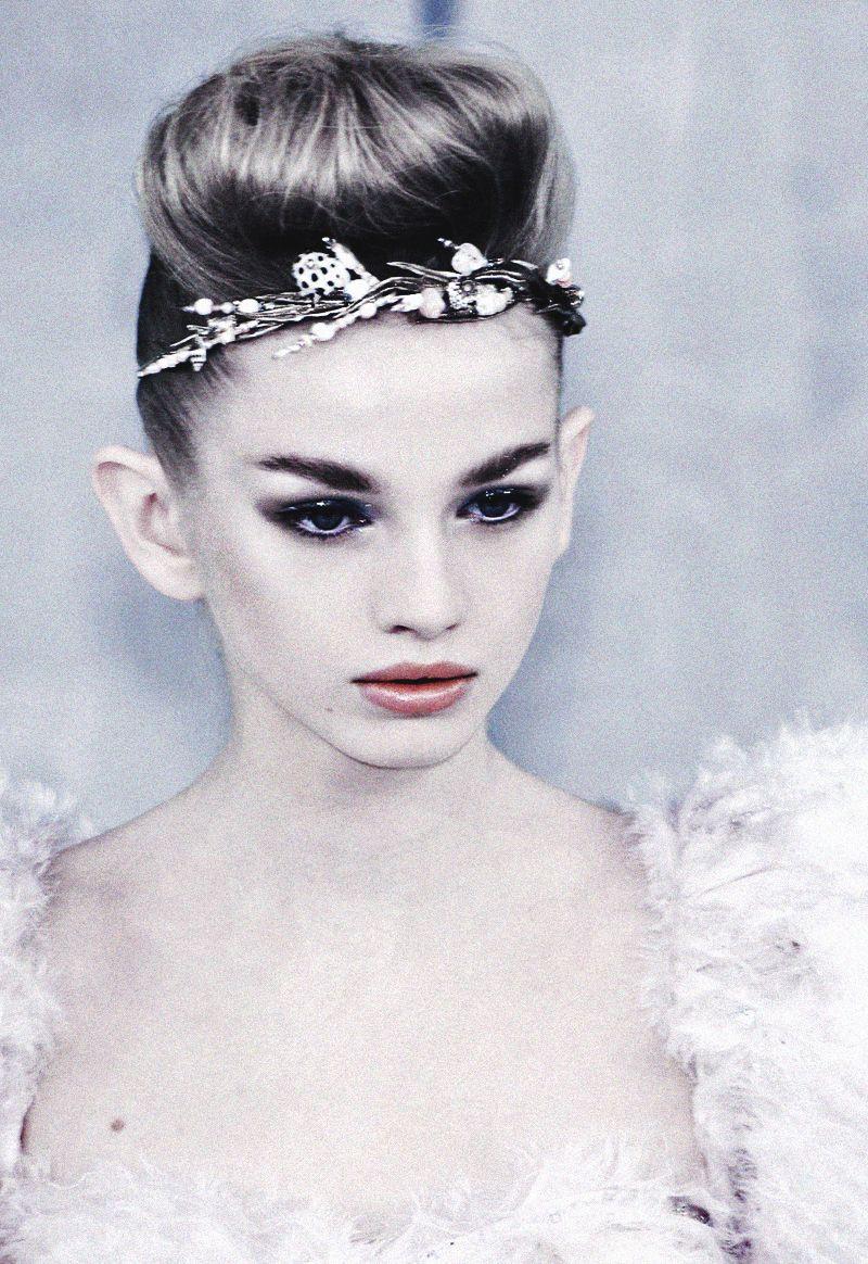 A fairy-like Diana Farkhullina at Chanel Haute Couture Spring/Summer 2008
