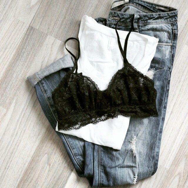 Aufgepasst Mädels (und Jungs): auf dem Blog zeige ich euch heute 10 Kleidungsteile die in keinem Kleiderschrank fehlen dürfen! www.thegoldenkitz.de