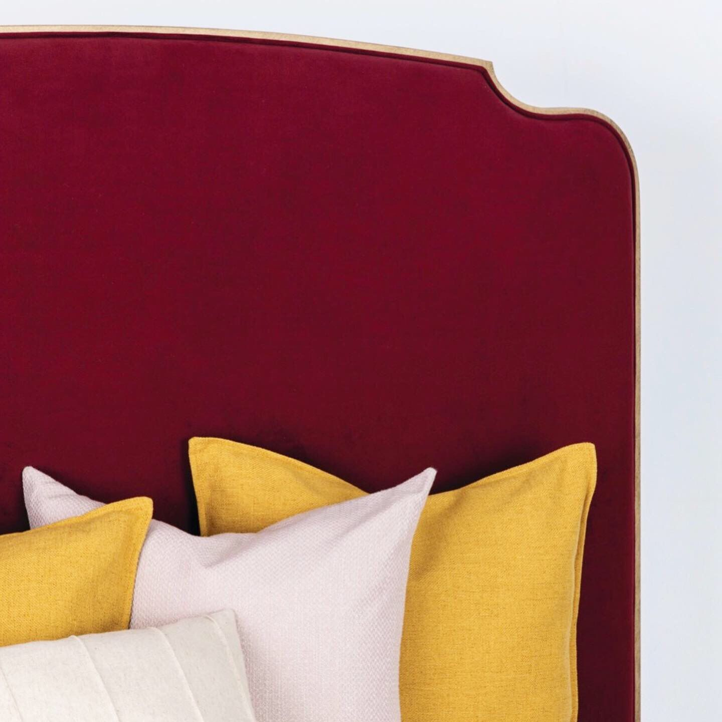 Fabric Chronicle Merlot Finish Golden Bisque Bed, Bed
