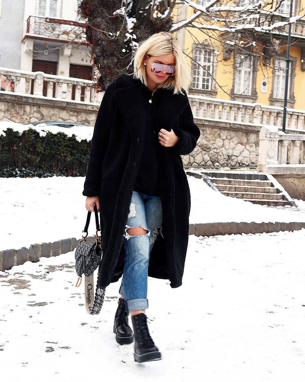 Black Teddy Coat Black Teddy Coat Winter Coat Outfits Fur Coat Street Style [ 1291 x 1033 Pixel ]