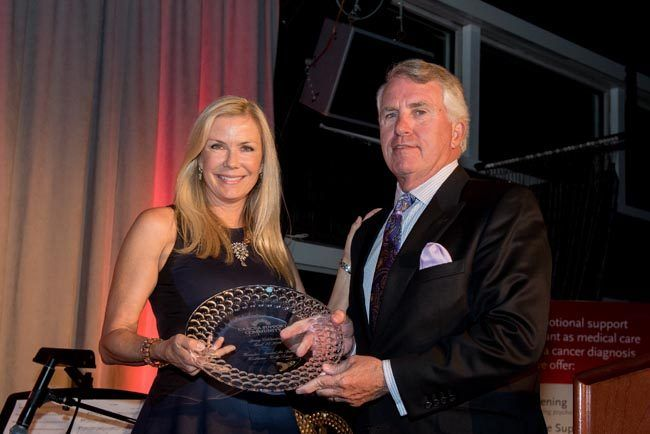 Katherine Kelly Lang Receives Award from Cancer Support Community