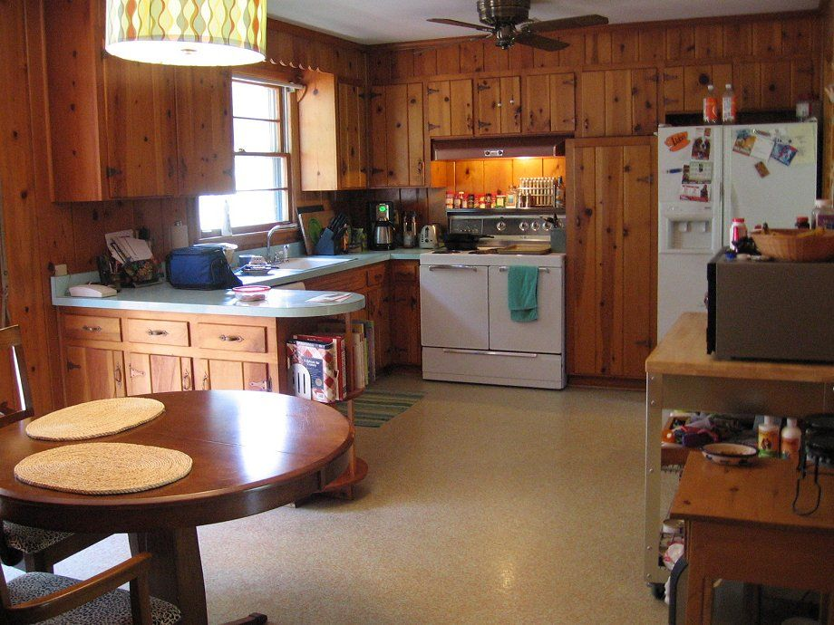 Decorating Ideas For Tracys Knotty Pine Kitchen