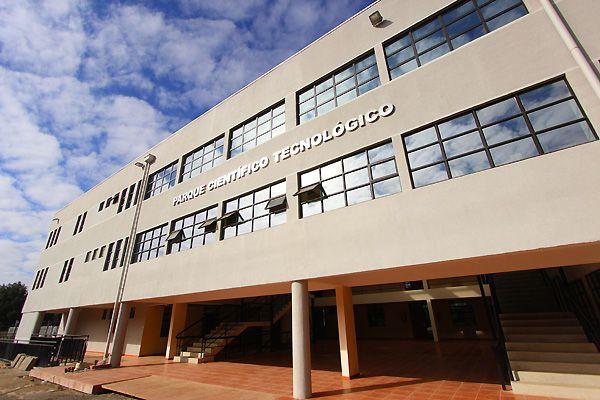 Edificio Parque Científico Tecnológico Campus San Miguel De La Universidad Católica Del Maule Edificios Universidad Catolica Parques