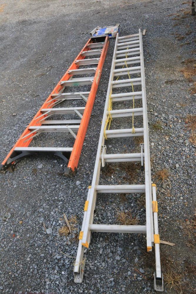 Item 163 Husky 10 Fiberglass A Frame Ladder Werner Equalizer 24 Extension Ladder With Everlevel Components Old Bed Frames Yard Machine Tool Carts