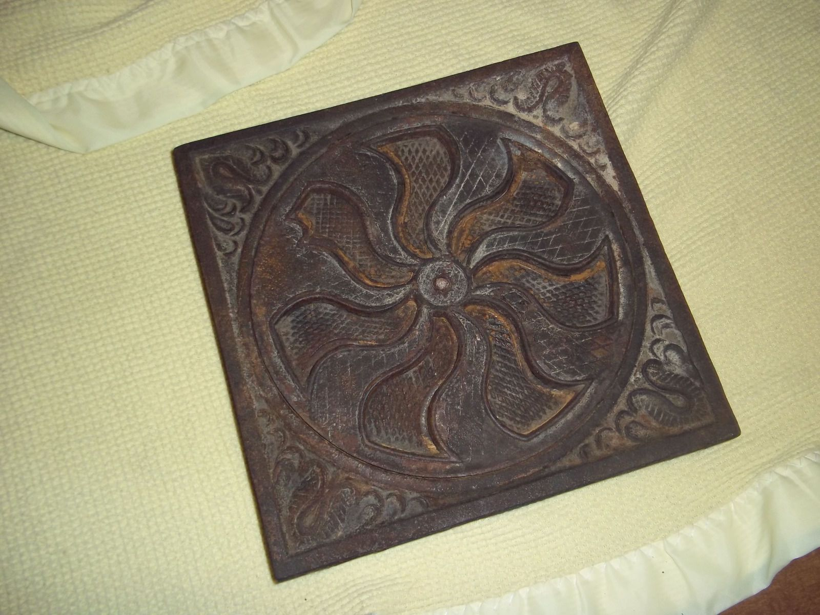 2 Old Antique Round Heat Floor Register Grate Cast Iron 10 1