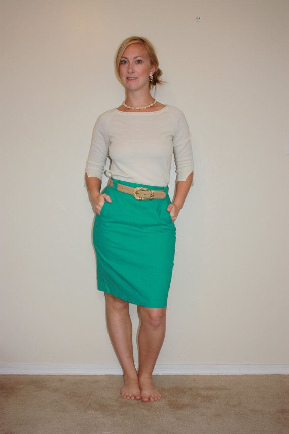 Kelly Green Pencil Skirt with Pockets by reinVINTAGEboutique ...