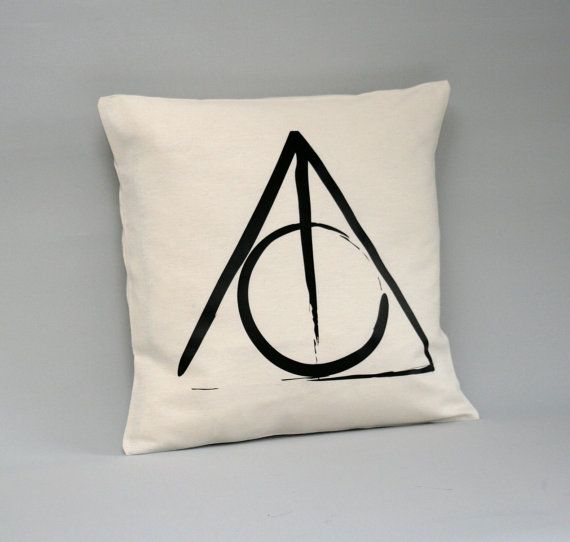coussin harry potter Harry Potter Cushion cover   Deathly Hallows Pillow cover   Harry  coussin harry potter