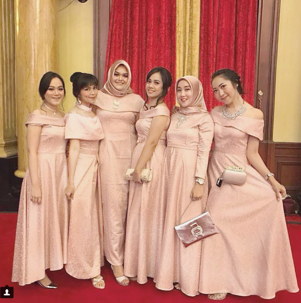 Sabrina Dress For Bridesmaid Attire Color Peach Inspirasi Kebaya