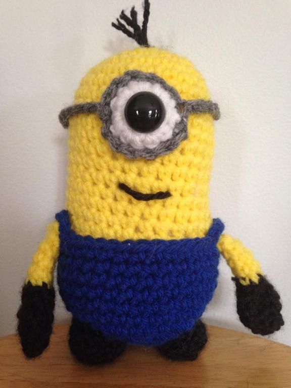 Free Crochet Despicable Me Minion Pillow and Doll Pattern | Pinterest