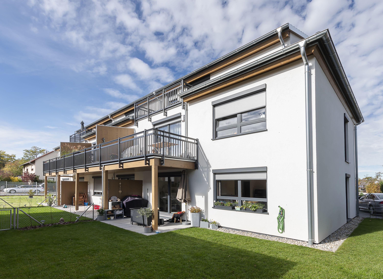 Mehrfamilienhaus Mit Garten Von Hartl Haus Familien Haus Haus Hartl Haus