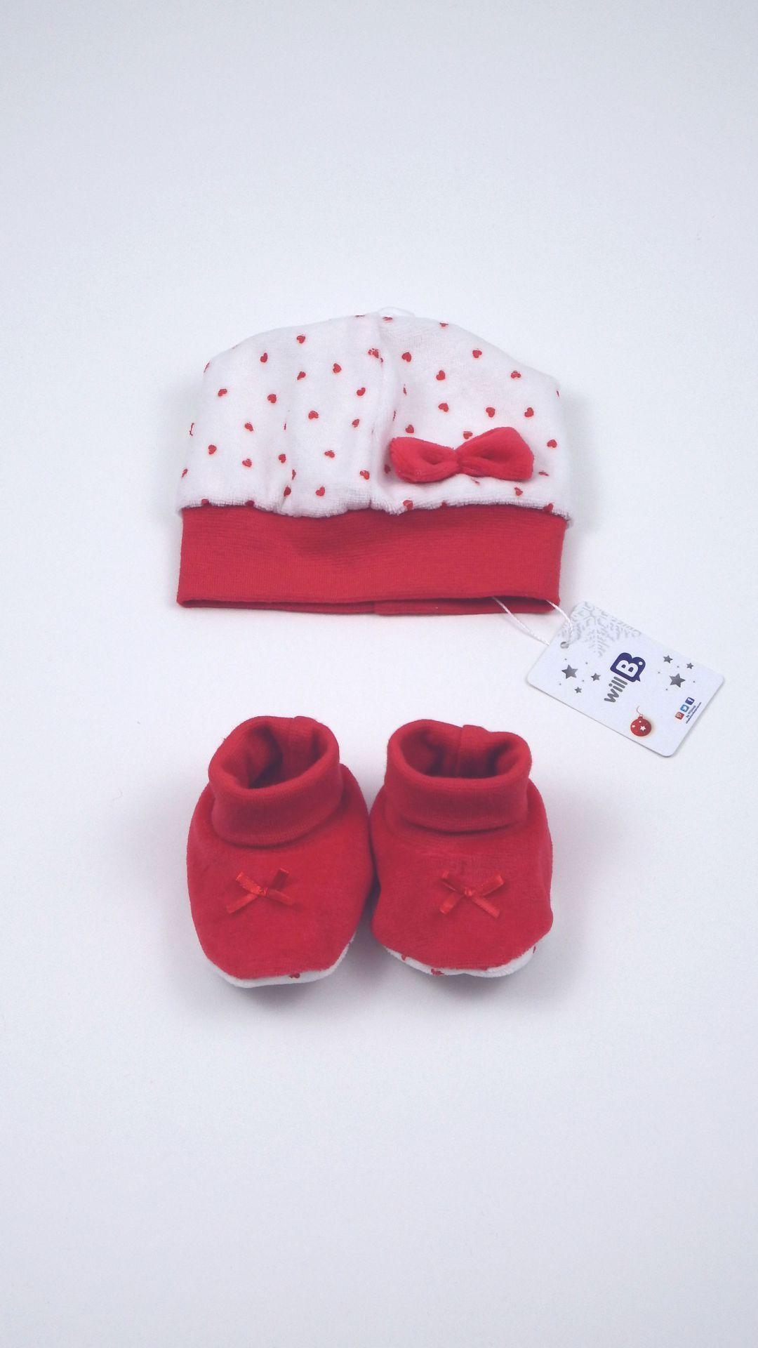 Cuffia e calze neonato Will B realizzate in ciniglia di cotone ...