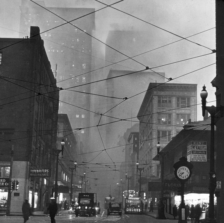 This is What Pittsburgh Looked Like at 840 am, 73 Years