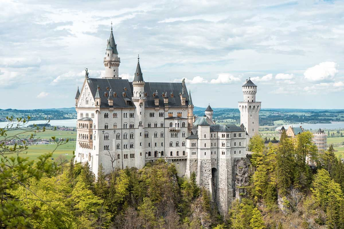 The Ultimate Guide To Visiting Neuschwanstein Castle Neuschwanstein Castle Castle Fairytale Castle
