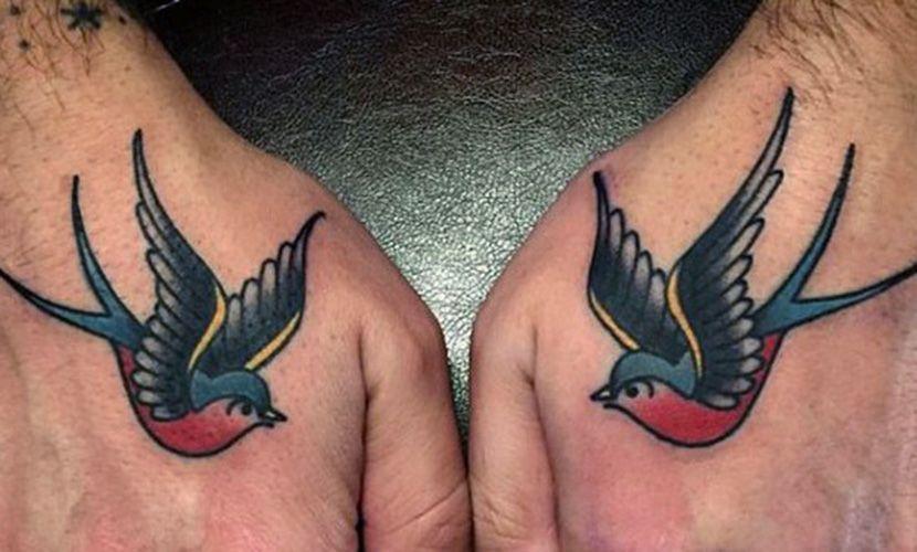 Tatuajes De Golondrinas En Las Manos Recopilacion De Disenos