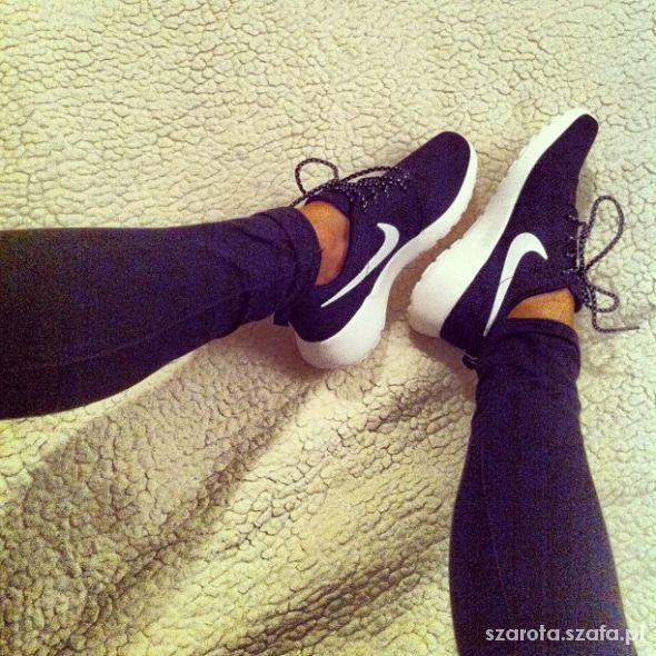 Sportowe Obuwie Damskie W Szafa Pl Buty Sportowe I Do Biegania Nike Roshe Run Roshe Run Nike Roshe