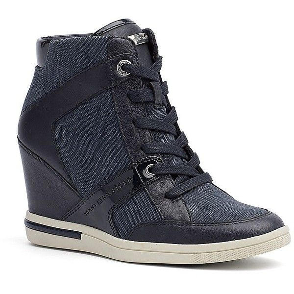 Tommy Hilfiger City Sneaker Wedge (1,725 MXN) ❤ liked on Polyvore featuring shoes, sneakers, wedge sneakers, platform wedge sneakers, high heel wedge sneakers, high heeled footwear and platform shoes