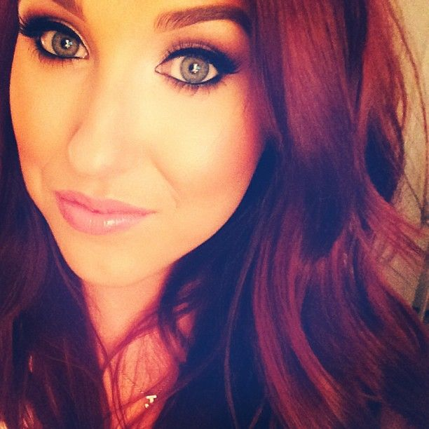 Jaclyn Hill #myfavmakeupartist #gonebrokebcofher lol but built my makeup collection and learned a lot she is absolutely amazing