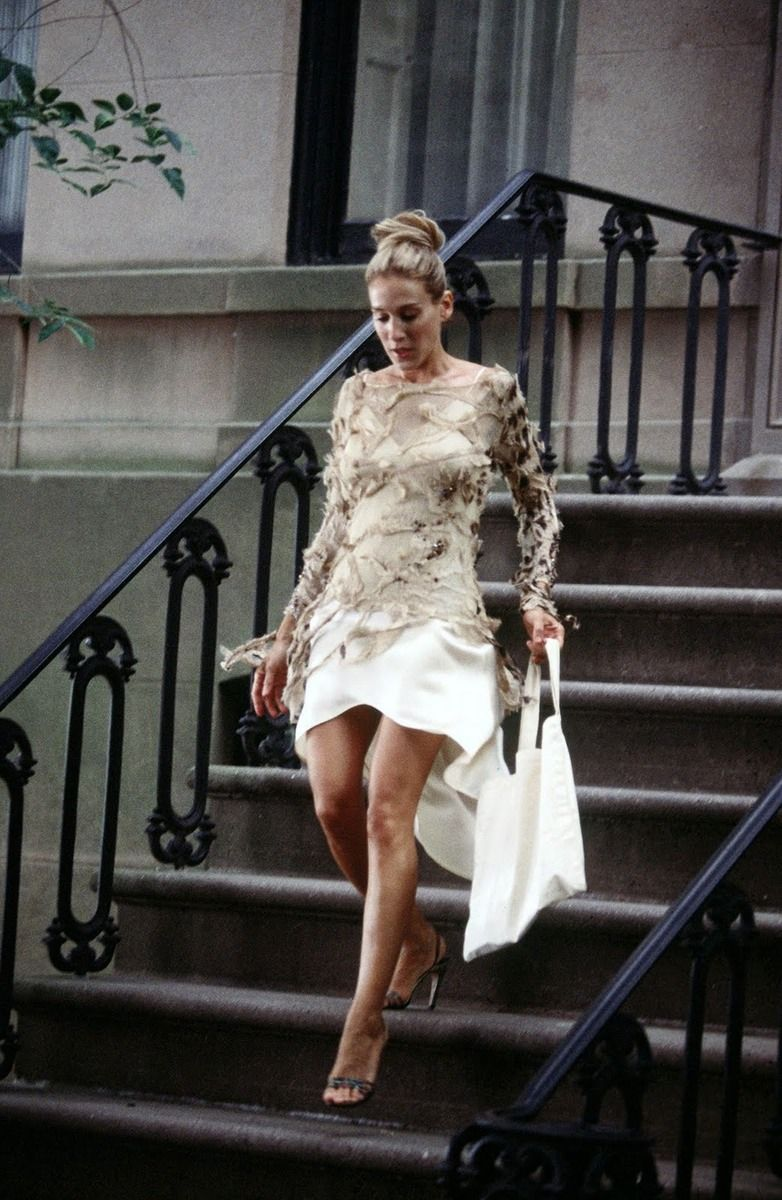 53564dbb8a2 Photo: The 36 Most Memorable Carrie Bradshaw Outfits On 'Sex And The City'