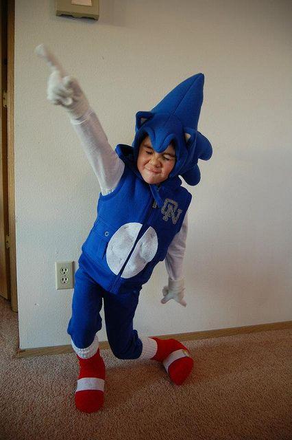 Sonic costume  sc 1 st  Pinterest & Sonic costume | Happy Halloween | Pinterest | Sonic costume ...